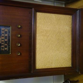 Antiques - Radios