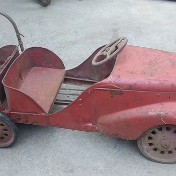 Vintage Red Pedal Car - Model Cars