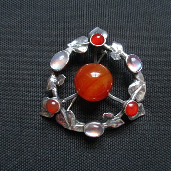 Big and beautiful Scottish Arts & Crafts brooch - Fine Jewelry