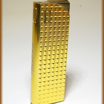 1979 Circa - FLAME CREST Butane Lighter - Tobacciana
