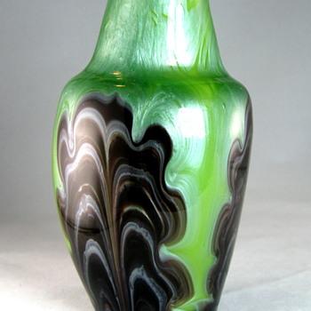 Loetz Titania Gre 6388 Maigrün und Braun - Art Glass
