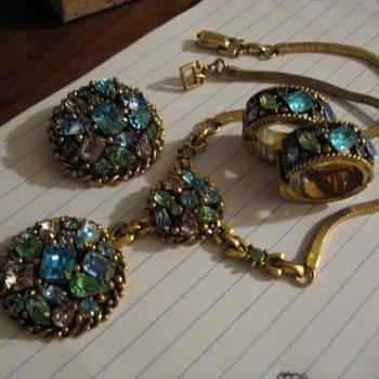 Beautiful Set Signed BARCLAY. - Costume Jewelry