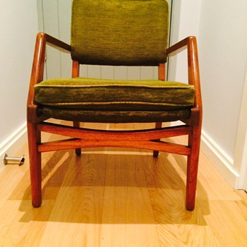MCM gorgeous armchairs, anyone know the makers mark?