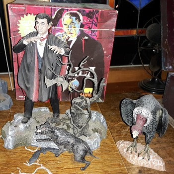 The Classic Universal Aurora Monster Models Return For Halloween Night - Toys