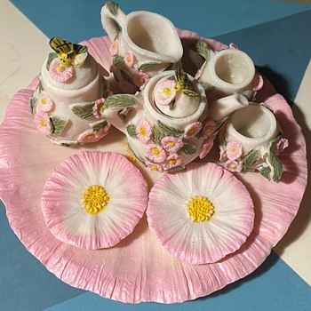Tiny Tea Service with a Flower Pattern - Toys