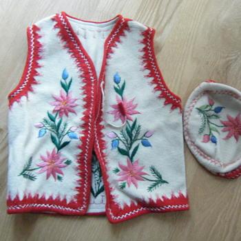 Folk Wool Kids Vest & Hat - Sewing