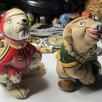 Bunch of sculptured figurines  - Figurines