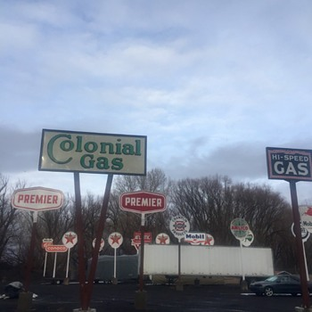 Colonial Gas - Signs