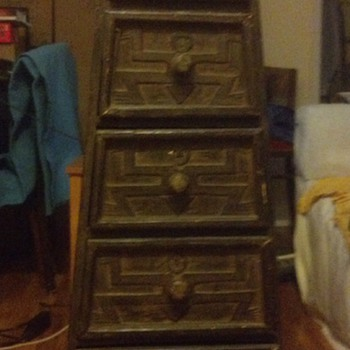Primitive/Folk (?) Chest of Drawers