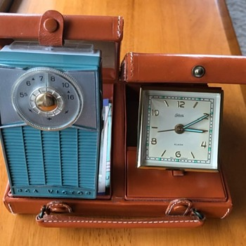 RCA Radio and Clock Travel Set - Clocks