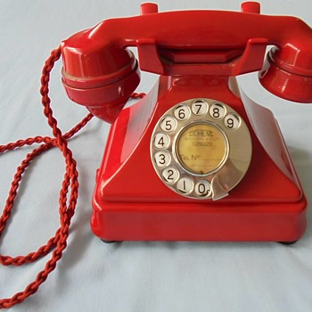 Chinese Red Siemens with New Zealand dial sequence - Telephones