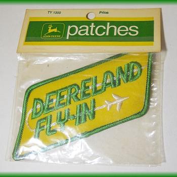 "1970's JOHN DEERE  - ""DEERELAND FLY-IN"" - PATCH - Advertising"