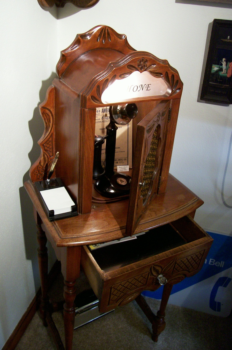 Relatively 1920's Telephone table cabinet   Collectors Weekly XZ98