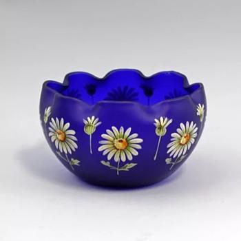 New Kolek Glass Piece  ...Handpainted daisies - Art Glass