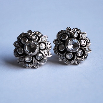 Georgian or Victorian Rose cut diamond silver and gold flower earrings - Fine Jewelry