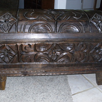 Trunk with character - Furniture