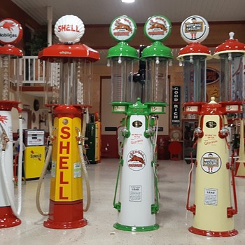 COLLECTION OF DOUBLE VISIBLE GAS PUMPS - Petroliana