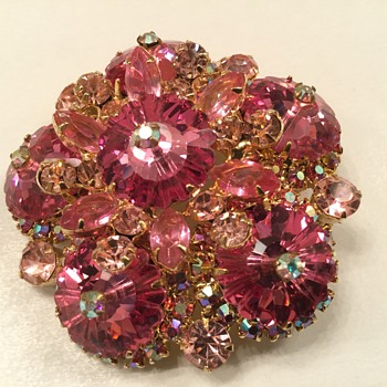 THINK PINK - Costume Jewelry
