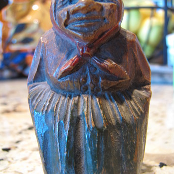 Wooden carved woman - Folk Art