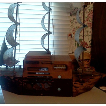 My Majestic Monarch tube radio ship.