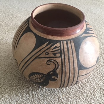 Maybe Acoma? - Pottery