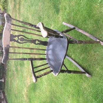 Unknown rocking chair, help please