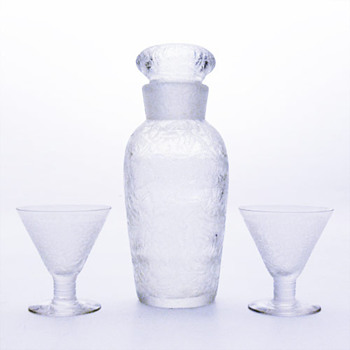 Cocktail shaker and matching glasses, Elis Bergh (Kosta, 1930s).