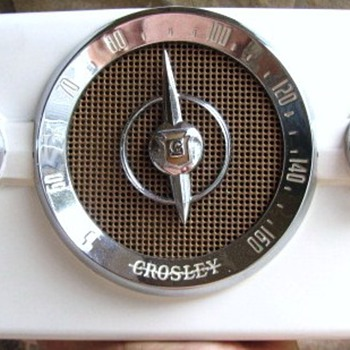 "1950 Crosley Model 10-135 ""Dashboard"" Radio"