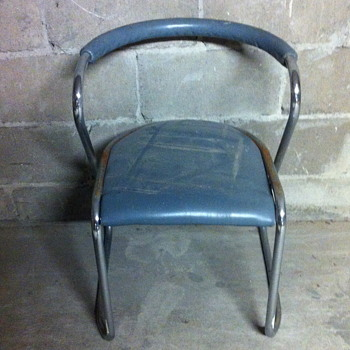 FORM metal chair. - Furniture