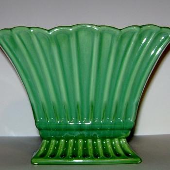 Haeger Pottery Planter #3409 - Pottery