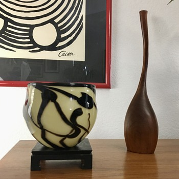 Stumped on identification of this hand blown art glass bowl - Art Glass