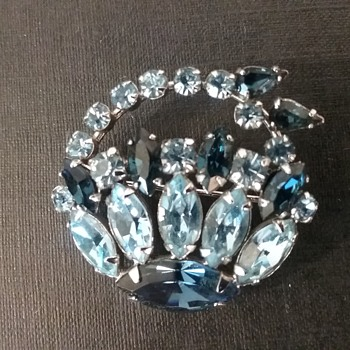 Sherman basket brooch  - Costume Jewelry