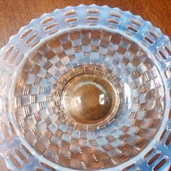 "My 9"" French opalescent 3 row open edge Fenton plate - Art Glass"