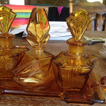 3 Piece Perfume Bottle Set and Matching Vanity Tray