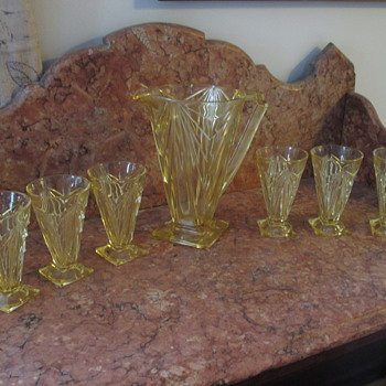 Pyramid Yellow Pitcher with Glasses Indiana Art Deco Depression Glass - Glassware