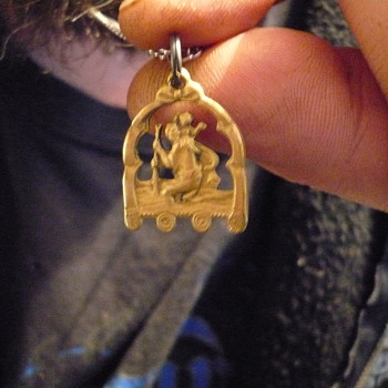 an old st christopher pendant - Fine Jewelry