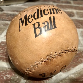 Old medicine ball - Sporting Goods