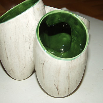 Vintage Art Pottery Triple Vase Wood Grain Glaze  - Pottery