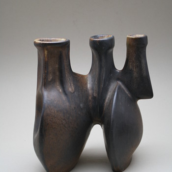 Loré, Beesel, the Netherlands. Designed by Matt Camps 1970s. marked B75 - Pottery