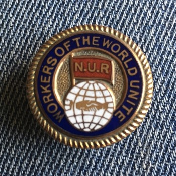 NUR lapel badge - Medals Pins and Badges