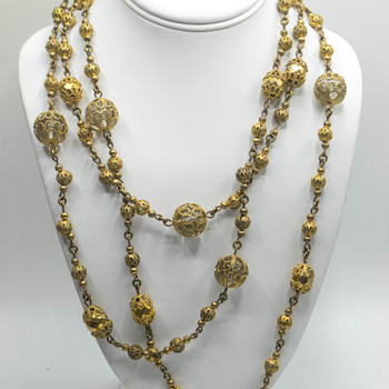Vintage filigree and glass sautoir necklace. - Costume Jewelry