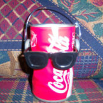 The Dancing Coca Cola Can - Coca-Cola