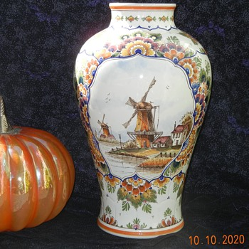 Large De Delftse Pauw Pottery Delft Polychrome Vase With Windmills Scene - Pottery