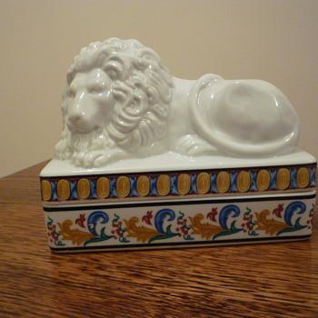 China Lion trinket box? - China and Dinnerware
