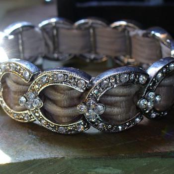 Horseshoe Stretch Bracelet - Costume Jewelry