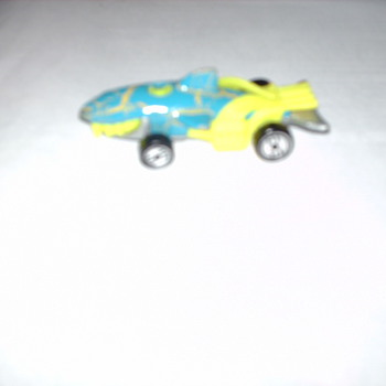 1998   HOTWHEELS  SHARK   CAR? - Model Cars