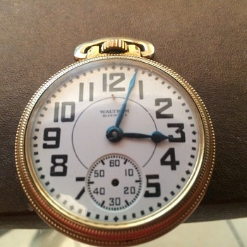 1936 Waltham USA Riverside 21 Jewels with train scene on  back. - Pocket Watches