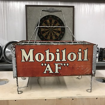 1930's Gargoyle Mobiloil AF Filpruf bottle rack. - Petroliana