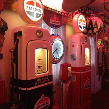 Standard Oil Theme...Martin & Schwartz gas pumps - Petroliana