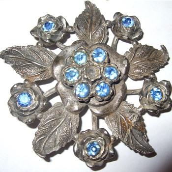 Little Nemo Costume Jewlery Floral... DATE??? - Costume Jewelry